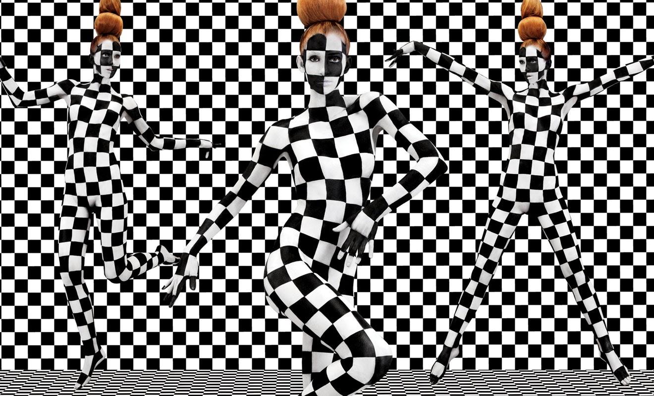 04-Aishti-Prada-Miu-Miu-YSL-Dolce-&-Gabbana-Dior-www-designstack-co