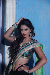 Ravaneeth Kaur in Saree from movie Sitara