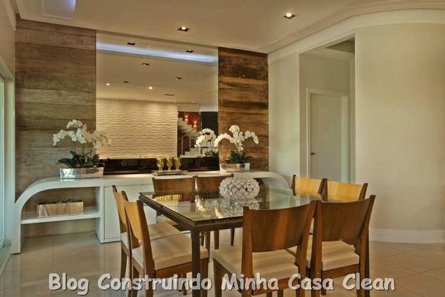 Sala De Jantar Iara Kilaris ~  da mesa quadrada de 8 lugare com poltrona amadeiradas com forro bege
