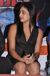 actress hari priya shows her pantee hot spicy pics photos images8
