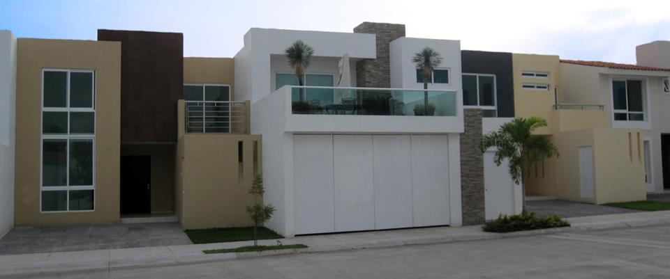 Fachadas de casas modernas fachadas de casas modernas en for Colores modernos para fachadas