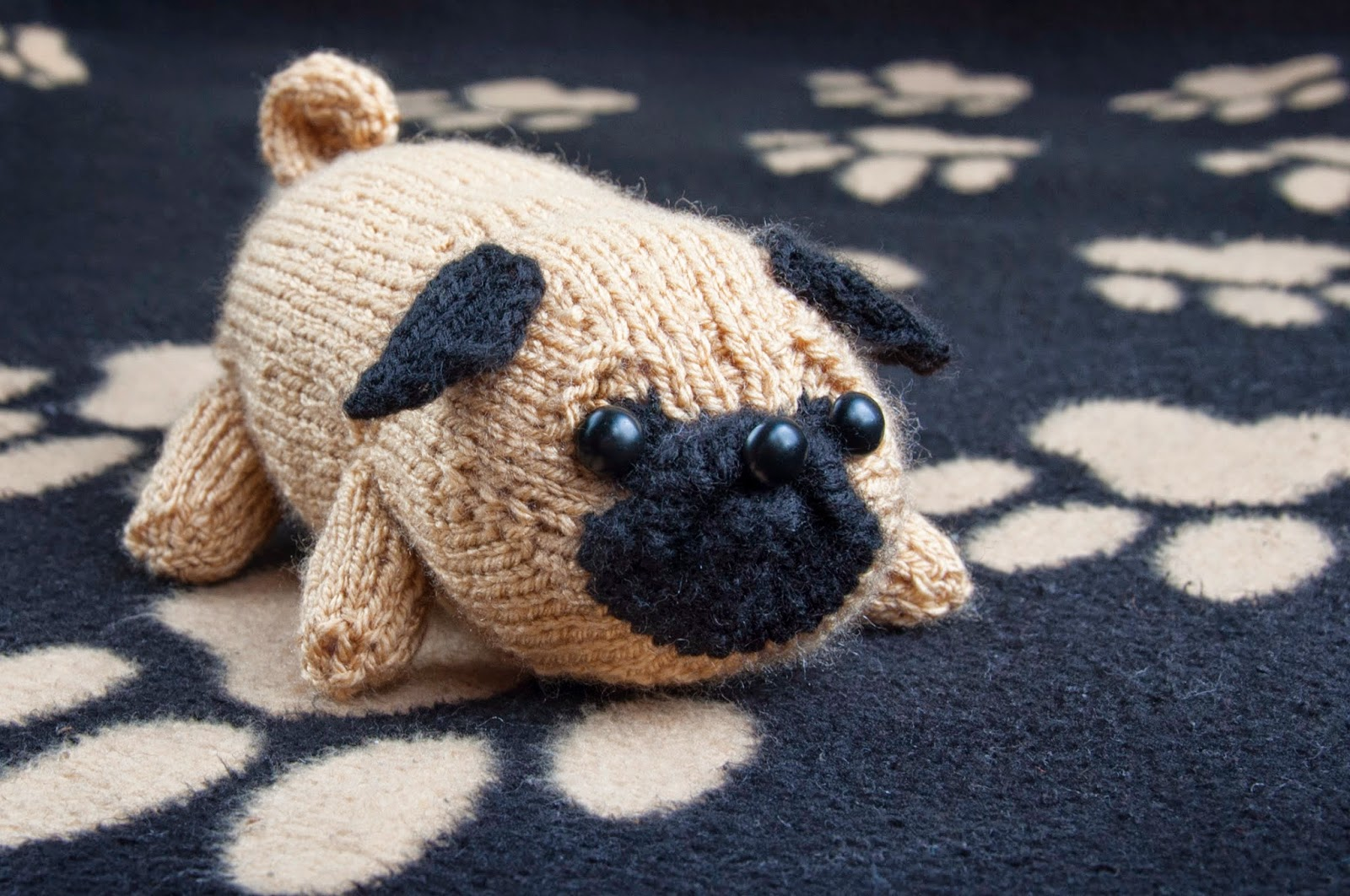 Knitted Pug Pattern : Jolly the Pug SINCERELY LOUISE