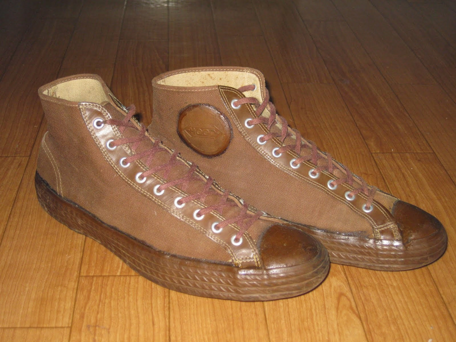 ~40's 「HOOD」 BROWN CANVAS SNEAKER  SIZE表記:10