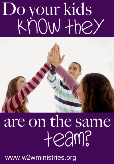 The Family Team: Do your kids know they are on the same team? #family #parenting