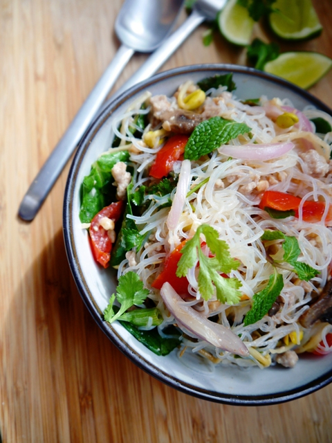 Yum Woon Sen - Spicy Thai Glass Noodles Salad 4 | Thailand Recipes