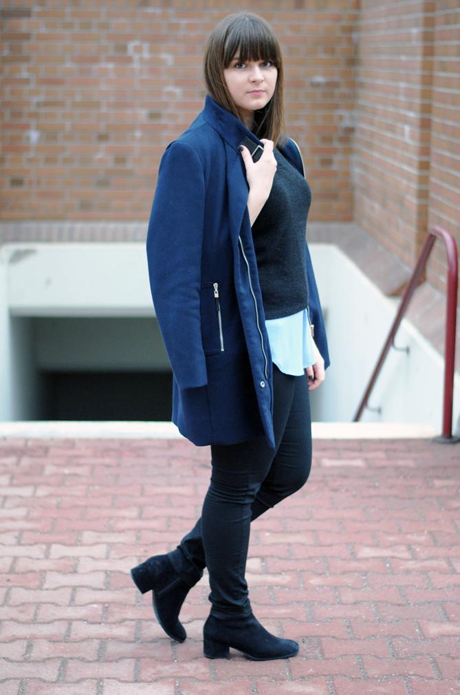 outfit blue coat dark black layering