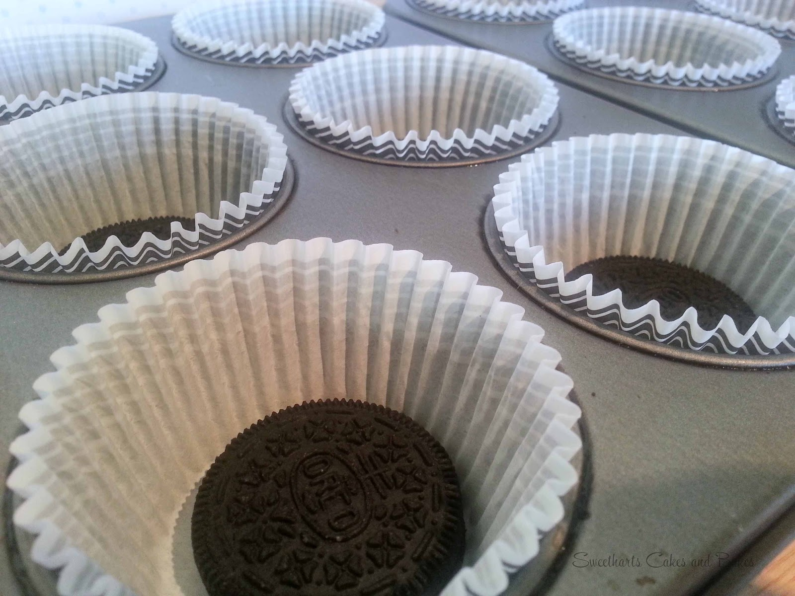 lls oreo cupcakes with a built in cup for milk oreos n milk cupcakes ...