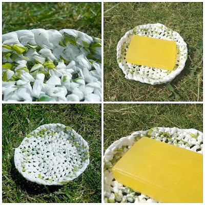 The Five Go Blogging plastic bag soap dish upcycle