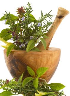 ثلاثة أعشاب تعالج رائحة الفم الكريهه