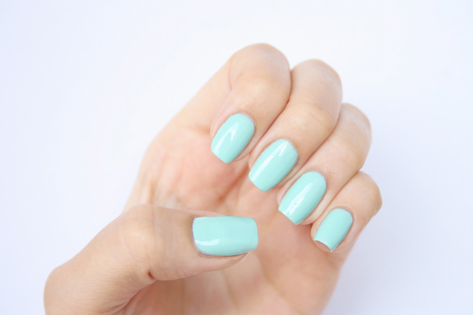 Essie – Mint Candy Apple: Review and Photos | RosyChicc