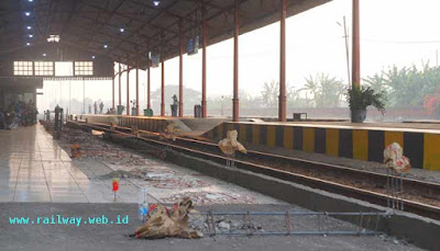 Renovasi Peron Stasiun Mojokerto