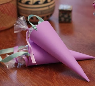 http://lasmanualidades.imujer.com/6699/souvenirs-baby-shower