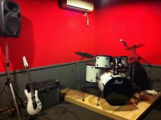 Membuat studio musik simple diawali dengan membangun peredam