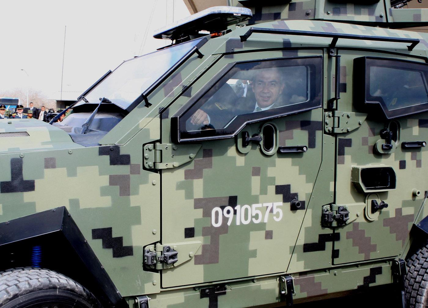 Fotos, videos y comentarios del Desfile Militar 16 de Septiembre 2011 Sandcat+Tactical+Protector+02