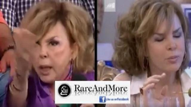 Η θαυμάστρια του Αλέξη Τσίπρα, τρώει... ακρίδες με την Πετρούλα (Βίντεο)