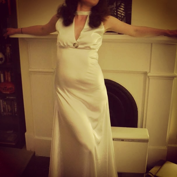 Fashioning Nostalgia: Old Hollywood Glamour: 1930s White Bias Cut ...