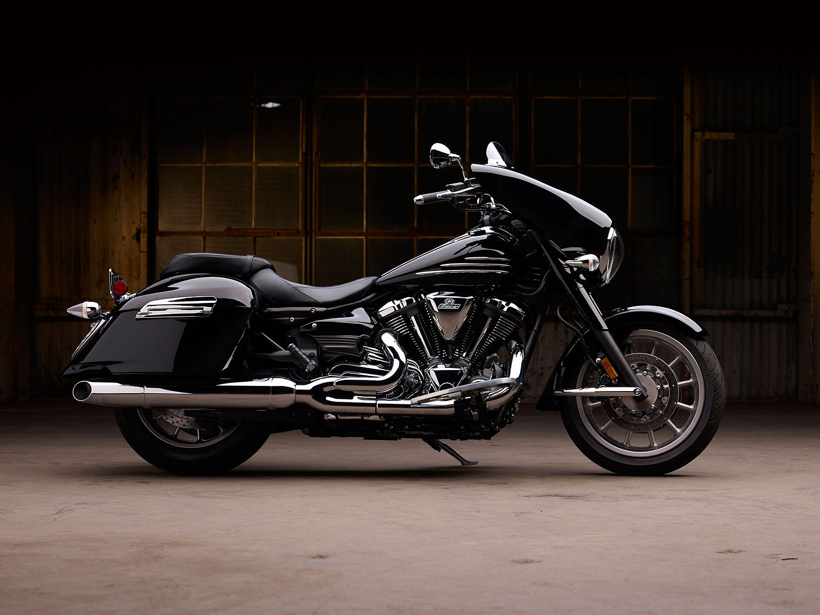 2012    Yamaha    Stratoliner    Deluxe Touring Concept   motorboxer