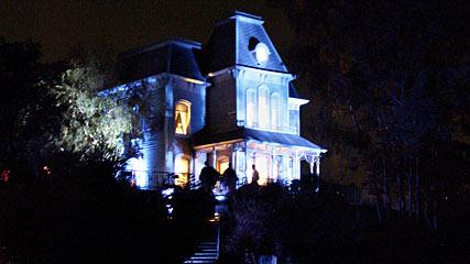 Parque de Diversões - Página 3 Haunted+House+of+Norman+Bates+of+film+Psycho+in+Amusement+Park