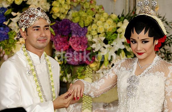 foto pernikahan nagita slavina dan raffi ahmad