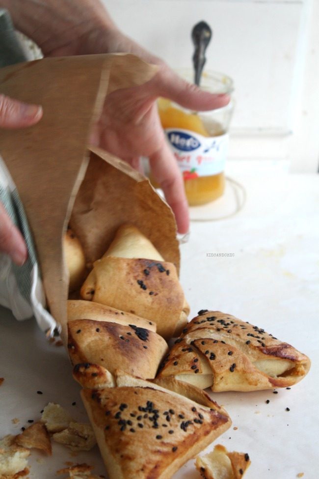 Samosas de mermelada . requesón y nueces -KIDSANDCHIC-degustabox