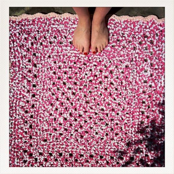 isabelle kessedjian tapis au crochet. Black Bedroom Furniture Sets. Home Design Ideas