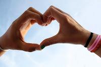 ¿Eres feliz hasta el punto de llegar a tocar el cielo con los dedos?