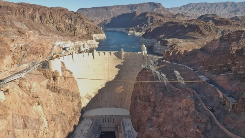 Roadside chronicles life on the road day 46 hoover dam for Willow beach fishing
