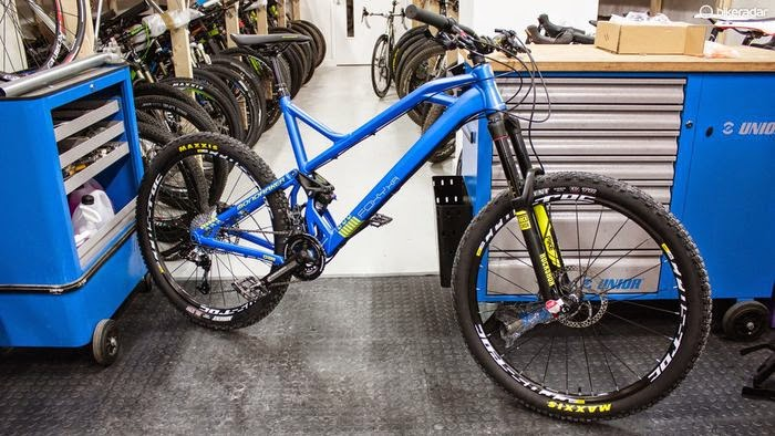 Bike News, Carbon Mountain Bike, Suspension System, New Bike, New Product, mondraker foxy xr 2015 carbon, mondraker foxy xr carbon