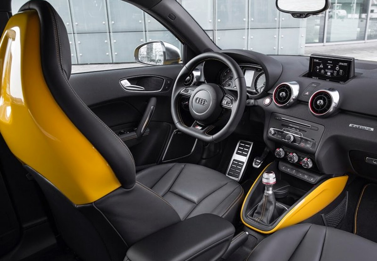 Carro - Audi S1 Sportback (2015)