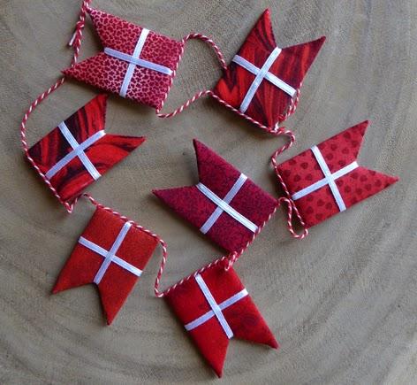 Syv flotte flag håndsyet af patchworkstof