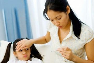 Cách hạ sốt cực nhanh và an toàn cho trẻ