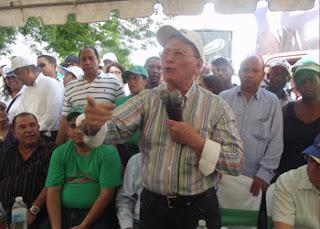 Luis Inchausty afirma Danilo distribuyó empleos de Fernández a familiares, amigos y queridas