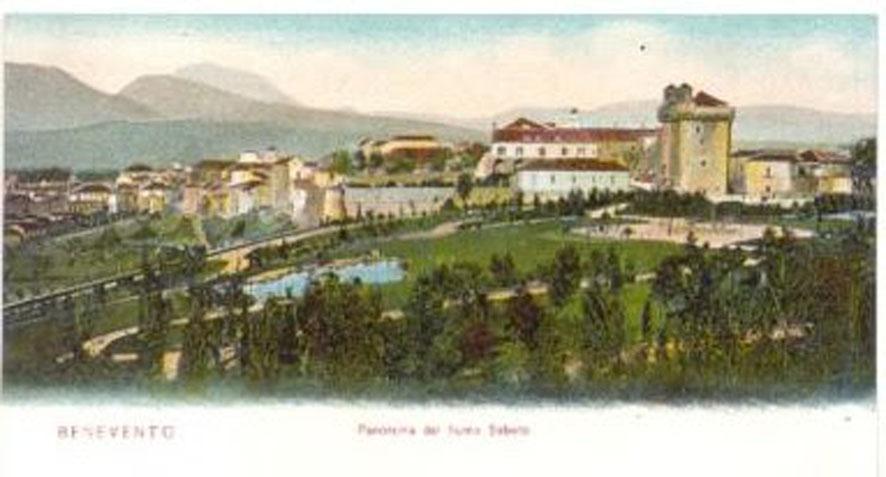 Antichissima immagine della villa comunale