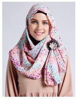 6 Cara Memakai Hijab Scarf Segi Empat