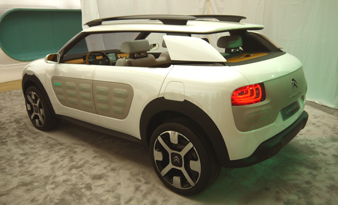 Citroen Cactus concept rear side view