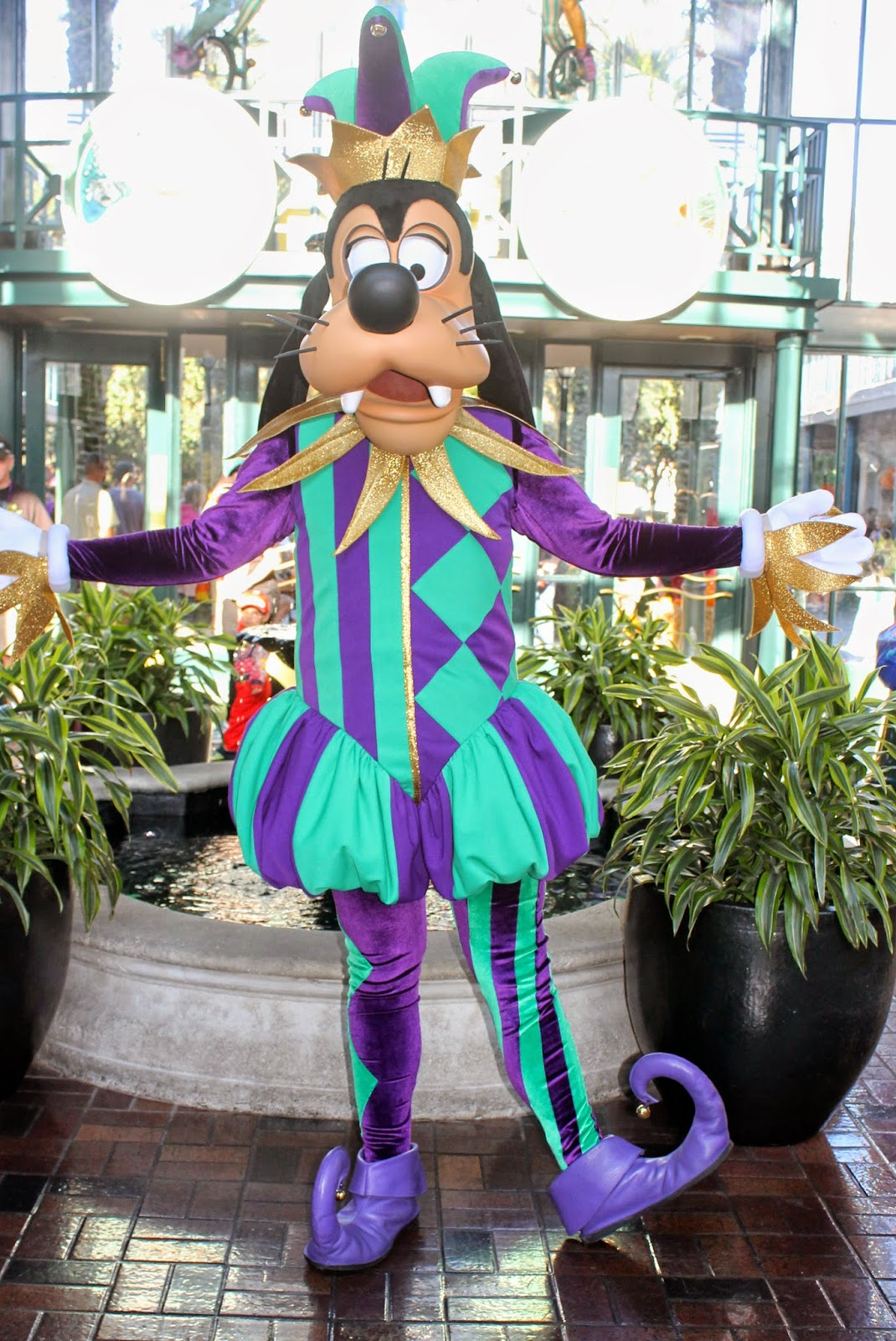 Jester Goofy Halloween Disney Character Hunt Disney World French Quarter