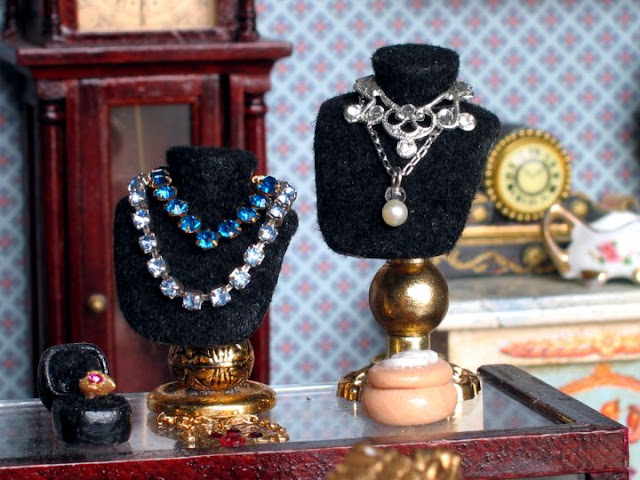 dollhouse jewelry