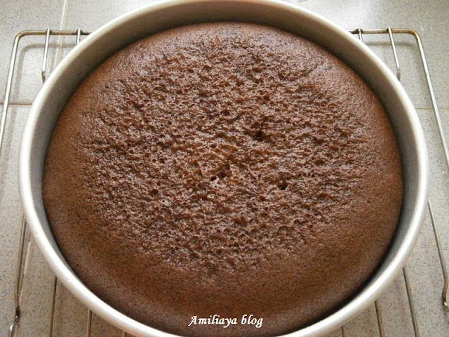 steamed chocolate cake