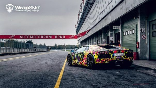 Lamborghini Aventador صور سيارات: لامبورجيني افينتادور الملفوفة برابستيلي يعطيها شكلا رائعا