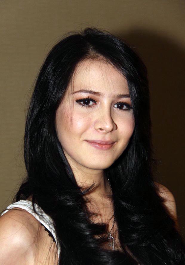Foto dan profil rina diana