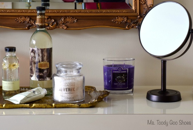 Guest Room Amenities | Ms. Toody Goo Shoes