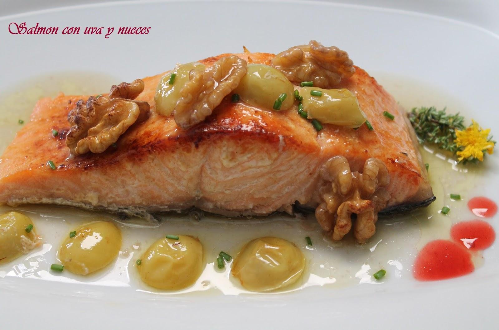 http://bilyrecetas.blogspot.com.es/2013/09/salmon-con-uva-y-nueces.html