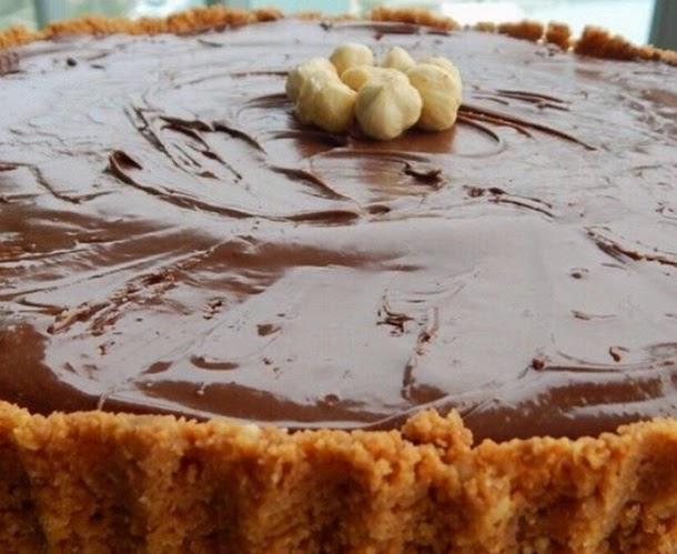 Receita de torta de paçoca com creme de Ovomaltine e Nutella