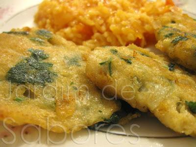 Iscas (Pataniscas) de Bacalhau com Arroz de Tomate