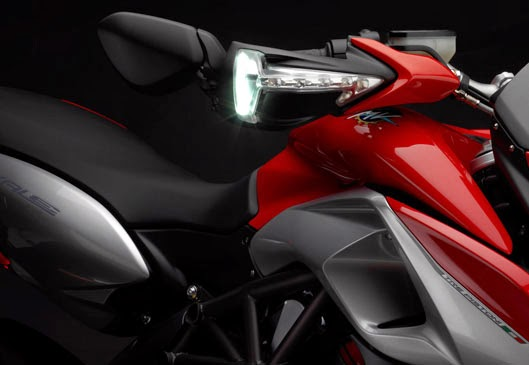 Foto Motor MV Agusta Rivale 800 HD Wallpaper