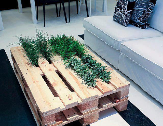 Mesa jard n 2 en 1 for Mesas de palets para jardin