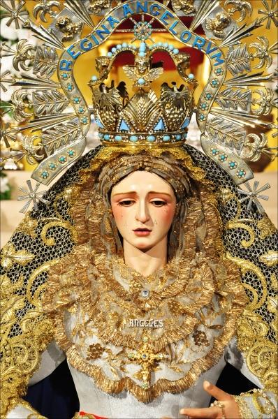 VIDA DE LA HERMANDAD AÑO III Besamanos+Virgen+de+los+%25C3%2581ngeles+Los+Negritos+Sevilla+2012+%25285%2529