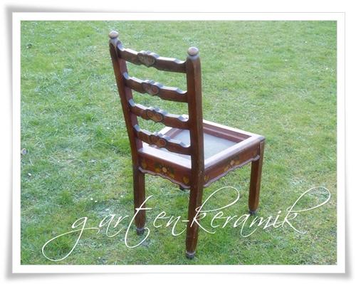 garten keramik man nehme einen alten stuhl. Black Bedroom Furniture Sets. Home Design Ideas