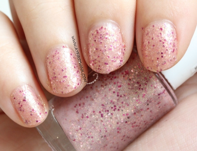 Etude House Bling in the Sea nail polish no. 2 - Magical Kiss