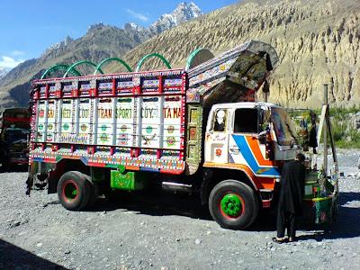 Sost - Pakistan Truck